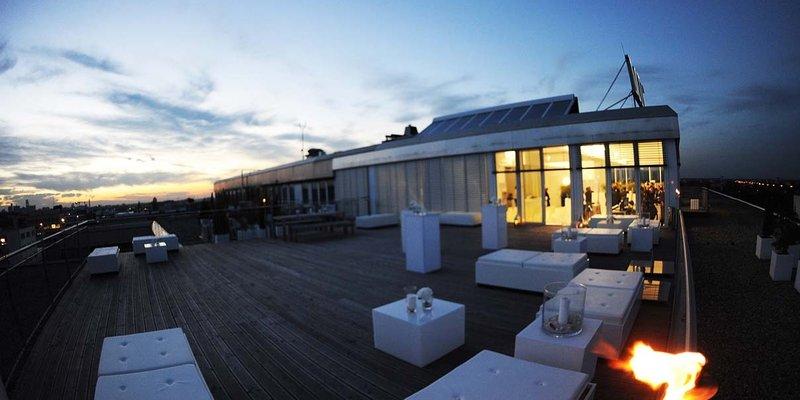 location sehr helles loft ber den d chern in m nchen milbertshofen am hart. Black Bedroom Furniture Sets. Home Design Ideas