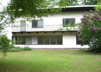 Leeres Haus Bj. 1949 mit Garten 1500 m²
