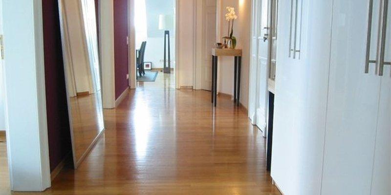 Stylish top floor apartment