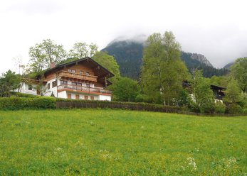 Rural villa with fun. Alpenblick