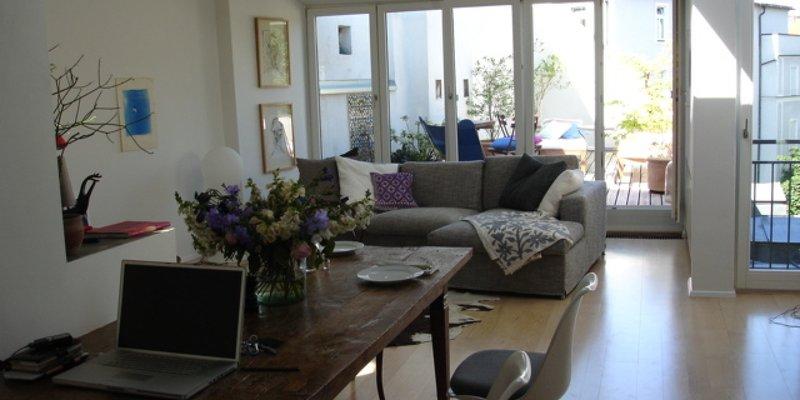 location maisonette wohnung mit dachterrasse in m nchen. Black Bedroom Furniture Sets. Home Design Ideas