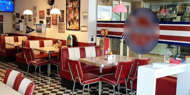 location original american diner im zentrum in m nchen. Black Bedroom Furniture Sets. Home Design Ideas