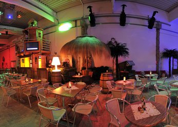 Indoor Beachclub - karibisches Ambiente