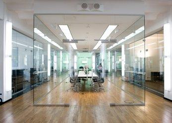 Loft Büro mit Designer-Ausstattung
