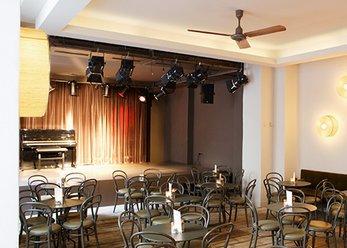 Theater-Location mit Bühne und Gastronomie