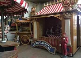 Landgut in Retro-Look: Steampunk & Circus