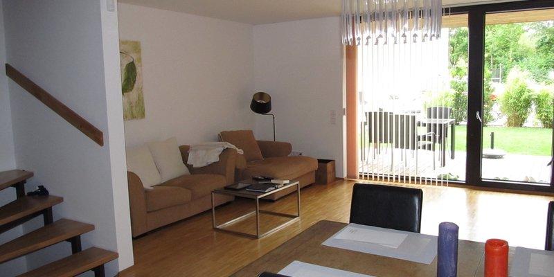 location reihenmittelhaus modern neu in landkreis ebersberg poing. Black Bedroom Furniture Sets. Home Design Ideas