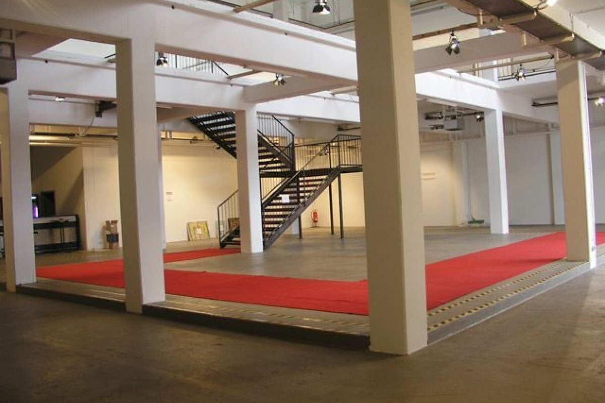 Location white exhibition event space in m 252 nchen laim
