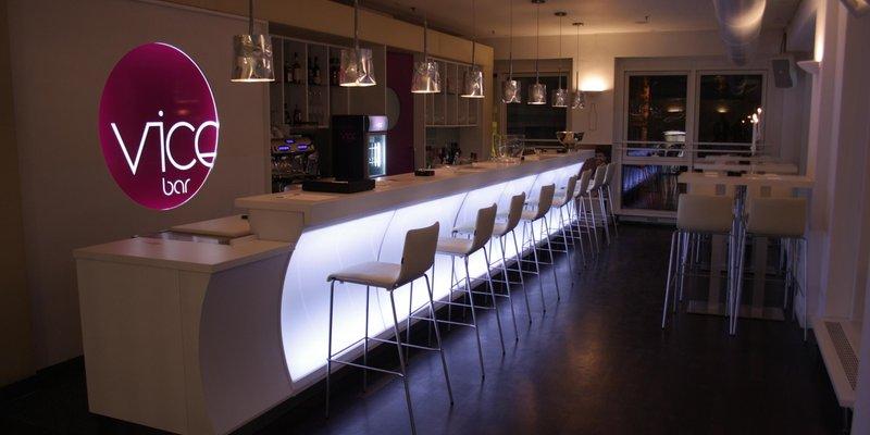 Eventlocation mit Passagen-Flair - Bar im 1. Stock