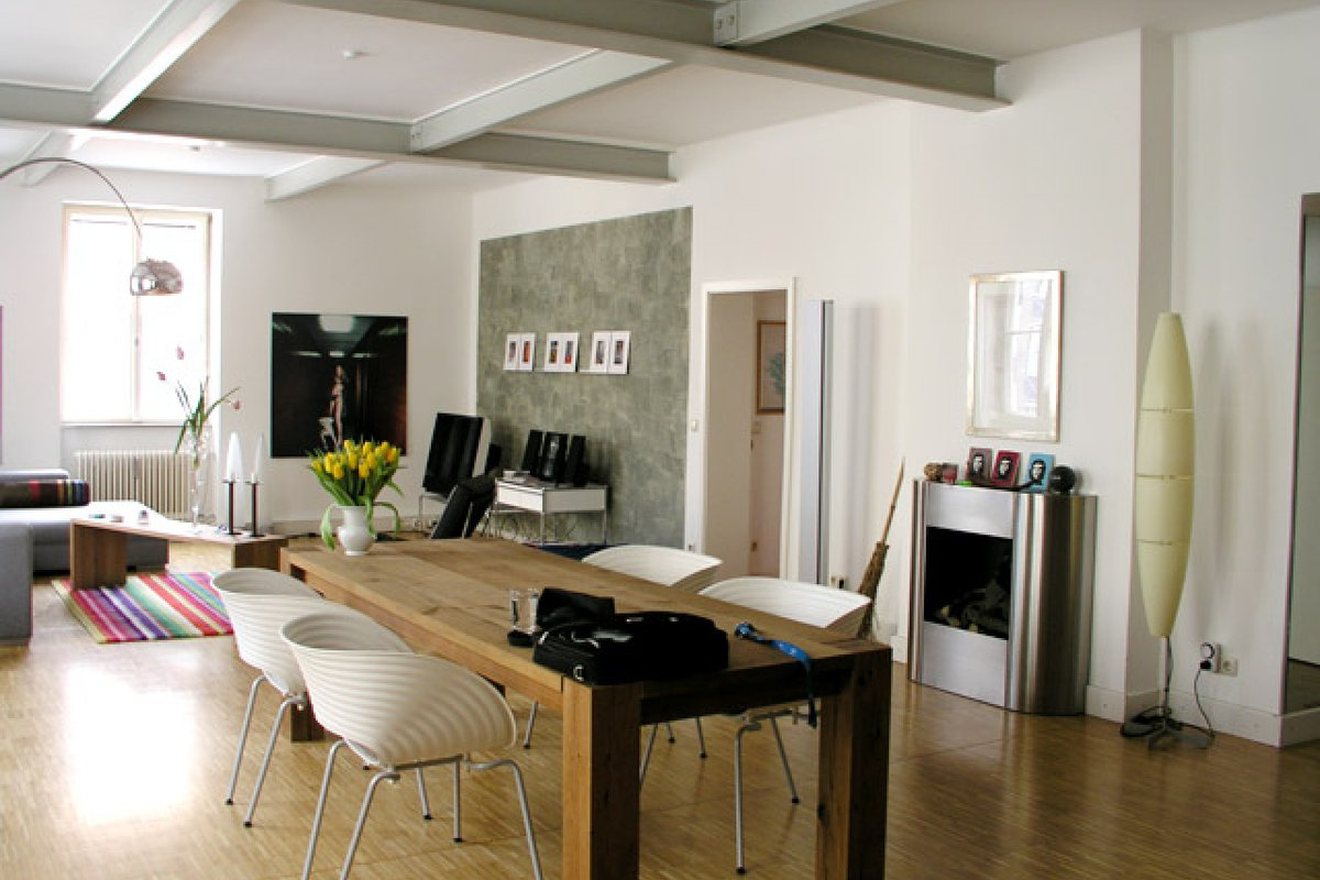 location exquisites loft mit viel kunst wertige in m nchen ludwigsvorstadt isarvorstadt. Black Bedroom Furniture Sets. Home Design Ideas